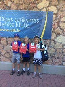Jaunie Liepājas tenisisti gūst labus panākumus