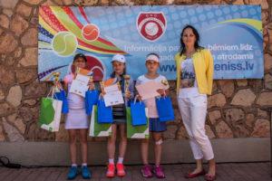 LTS SEB pavasara tenisa turnīrā izcīnītas vairākas medaļas